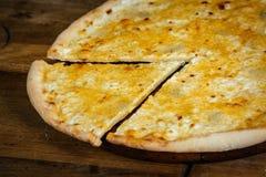 Pizza di formaggio sopra Fotografia Stock