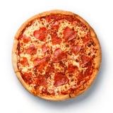 Pizza di merguez affettata forma del cuore fotografia stock libera da diritti
