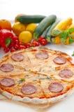 Pizza di merguez sottile originale italiana della crosta Immagine Stock Libera da Diritti