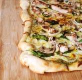 Pizza di Pesto Immagini Stock