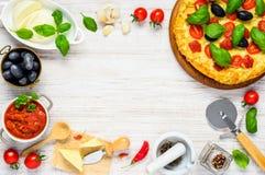 Pizza di verdure sulla struttura dello spazio della copia Fotografia Stock Libera da Diritti