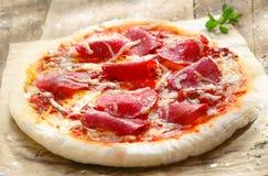 Pizza Diavolo imagens de stock