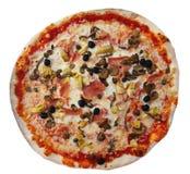 Pizza, die op achtergrond wordt geïsoleerd Royalty-vrije Stock Afbeelding