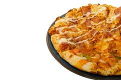 Pizza die op witte Achtergrond wordt geïsoleerd? Stock Afbeeldingen