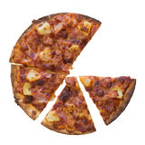 Pizza do presunto e do abacaxi sobre o fundo branco Foto de Stock Royalty Free
