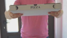 Pizza doręczeniowy mężczyzna zdjęcie wideo