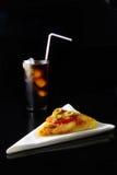 Pizza e bevanda Fotografia Stock