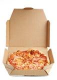 Pizza in een Kartondoos Stock Foto