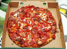 Pizza en caja Fotografía de archivo