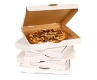 Pizza en caja blanca llana Fotos de archivo libres de regalías