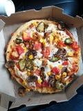 Pizza för paprika för Pizzzaaa tomatlök arkivbilder