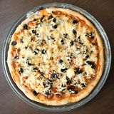 Pizza faite maison Images stock