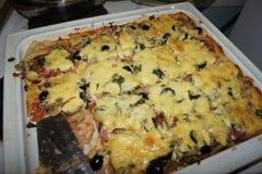 Pizza faite maison avec du fromage photo libre de droits