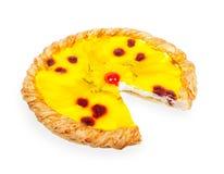 Pizza faite maison de fruit avec des morceaux d'humanité et de la cerise Photographie stock libre de droits
