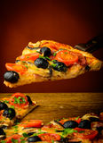 Pizza faite maison traditionnelle Images libres de droits