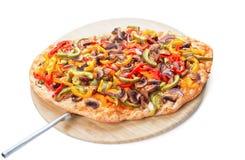 Pizza fresca calda sul bordo di legno Fotografia Stock Libera da Diritti