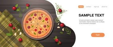 A pizza fresca cercada pelo alimento delicioso italiano da opinião de ângulo superior do conceito do restaurante dos vegetais ser ilustração royalty free