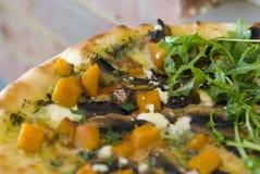 Pizza gastronome Photographie stock libre de droits