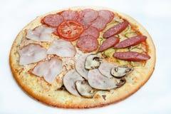 Pizza, generi differenti di pizze al menu del ristorante e pizzeria Immagini Stock