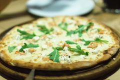 Pizza, geschmackvoll, Lebensmittel, Lachs, köstlich, Abendessen, Mittagessen, Teig, aru lizenzfreie stockfotografie