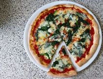 Pizza Gorgonzola spinach Vegetables food italia Restaurant royalty free stock image