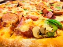 Pizza grande Immagini Stock Libere da Diritti