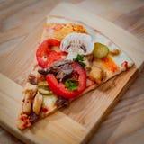 Pizza grande Imagen de archivo libre de regalías