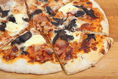 Pizza with Ham, Mushroom and Cheese Royalty Free Stock Photos