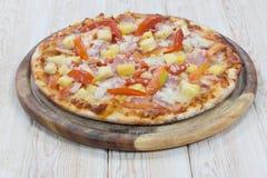 Pizza hawaiana Fotografía de archivo libre de regalías