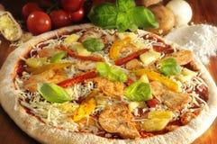 Pizza hawaiana Fotos de archivo libres de regalías
