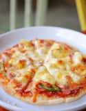 Pizza hawaiana casalinga Fotografia Stock