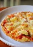 Pizza hawaiana casalinga Immagine Stock Libera da Diritti