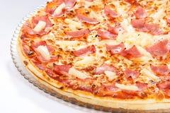 Pizza hawaiana de la piña Imagen de archivo