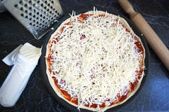 Pizza hecha en casa Imagen de archivo