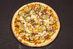 pizza huvudsaklig kurs royaltyfria bilder