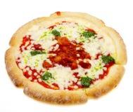 Pizza i en vit bakgrund Royaltyfri Bild
