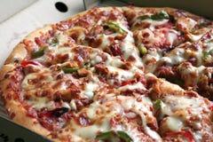 Pizza inteira foto de stock