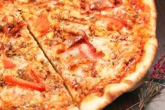 Pizza italiana deliciosa Fotos de Stock