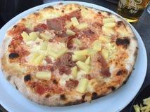 Pizza italiana deliziosa in Svezia fotografia stock