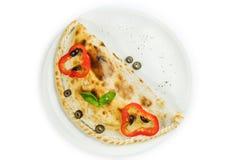 Pizza italiana fechado tradicional do calzone fotos de stock