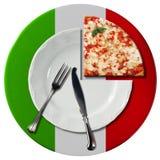 Pizza italiana - placa y cubiertos Foto de archivo libre de regalías