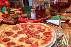 Pizza italienne Photo libre de droits