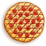 Pizza italienne avec des pepperoni et des champignons Photo libre de droits