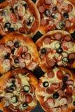 Pizza italienne Petites parties photographie stock libre de droits