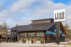 Pizza Luce Restaurant Exterior und Zeichen Stockbilder