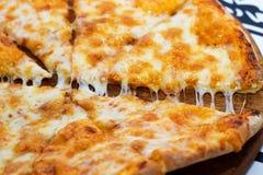 Pizza Margarita Imágenes de archivo libres de regalías