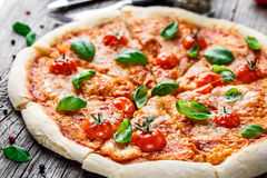 Pizza Margherita Royaltyfria Bilder