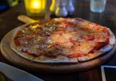 Pizza Margherita Arkivfoto