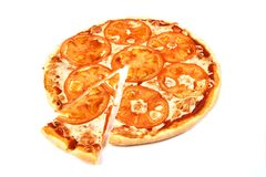 Pizza Margherita och en skiva på vit bakgrund royaltyfri fotografi