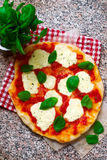 Pizza Margherita Odgórny widok Obrazy Royalty Free